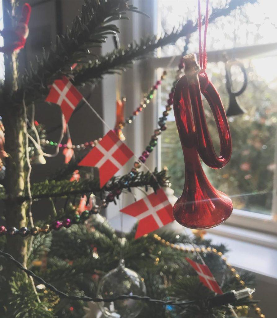 Julen hvor jeg fik en flyverdragt nyt til hret shellip